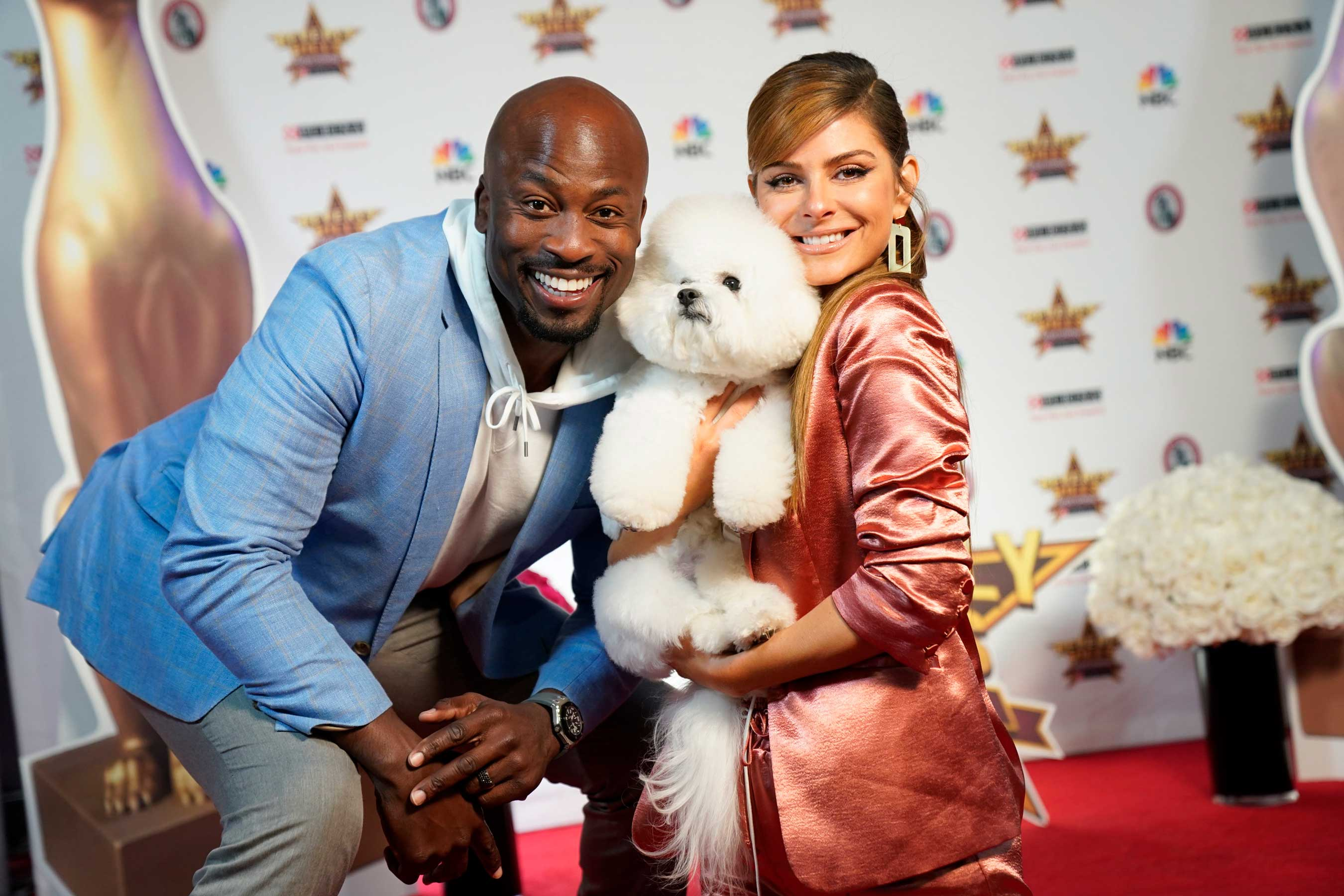 Maria Menounos and digital correspondent Akbar Gbajabiamila give viewers a behind-the-scenes look at the Beverly Hills Dog Show Presented by Purina, including star-studded interviews with pet-loving celebrity guests.