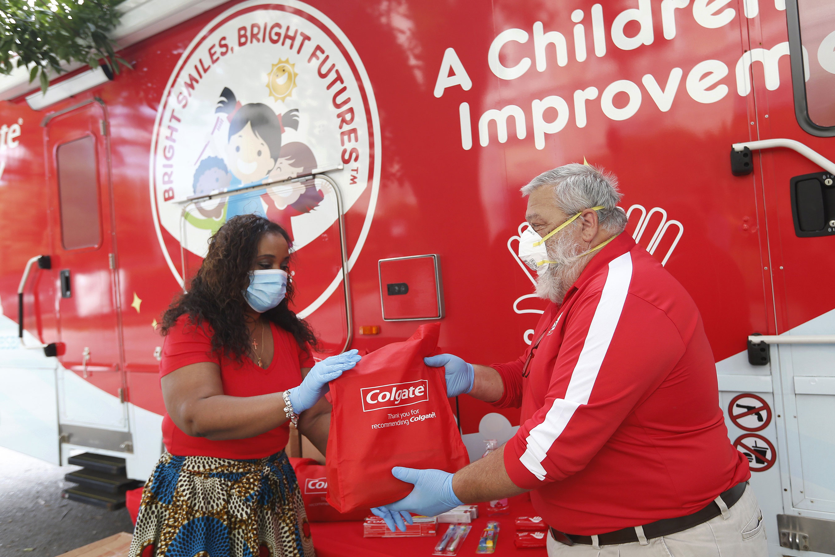 Colgate Bright Smiles, Bright Futures program delivers health and wellness kits to local communities across the U.S.
