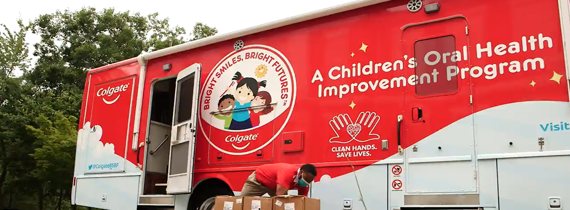 Colgate Bright Smiles, Bright Futures Mobile Dental Vans to Distribute over $3 Million Worth of Health & Hygiene Essentials to Support COVID-19 relief efforts