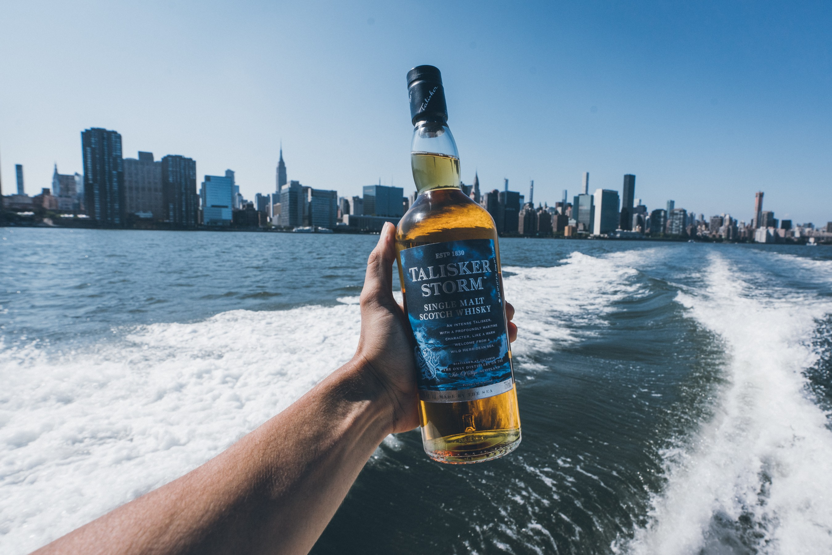 Talisker Single Malt Scotch Whisky announces their partnership with Billion Oyster Project – the New York City-based oyster reef restoration and public education nonprofit organization. #ShuckFromHome. Photo Credit: Jose Silva