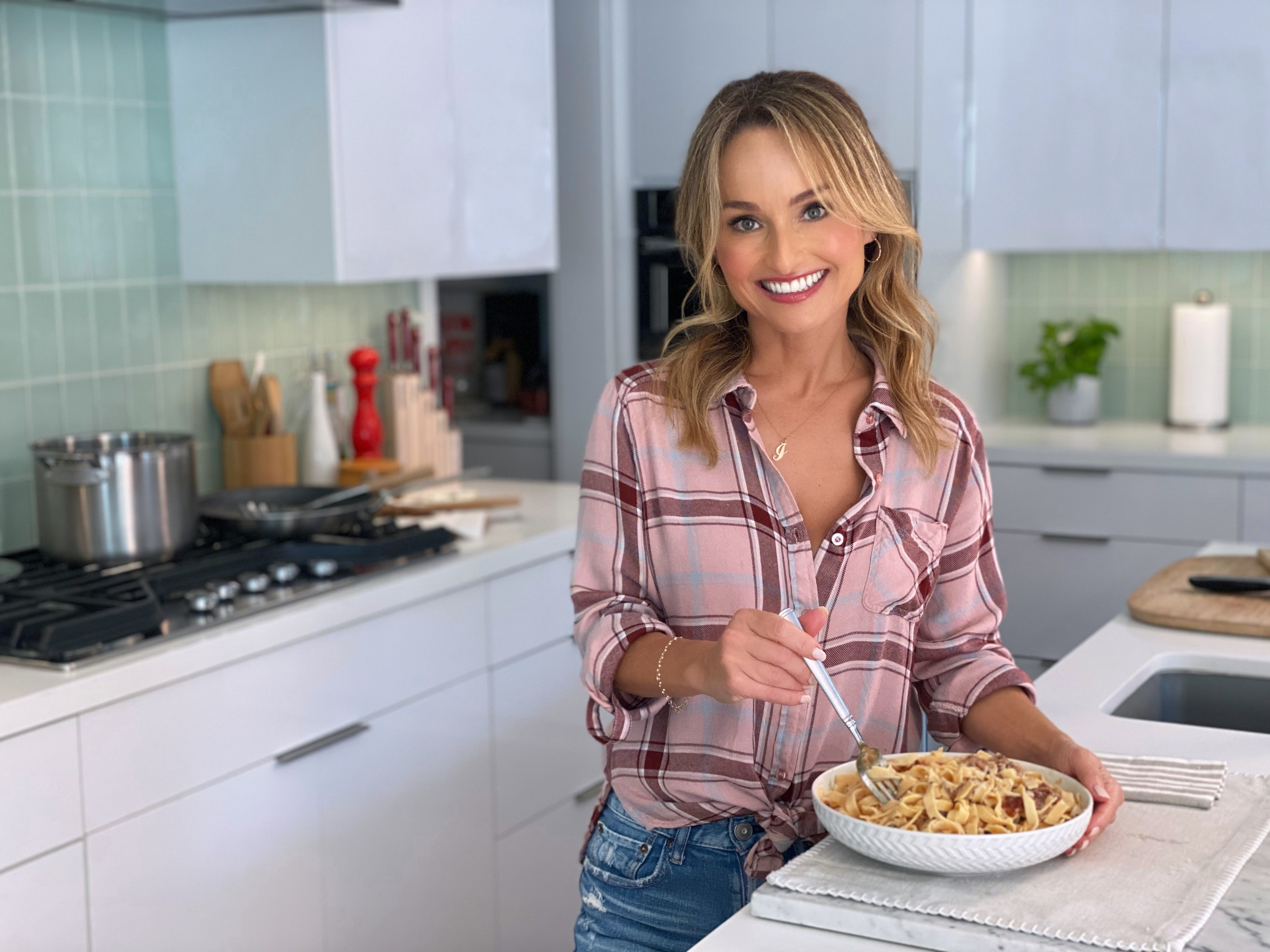 Celebrity Chef Giada De Laurentiis teams up with Marshalls to launch the Share WOW, Get WOW campaign, inviting consumers to share their amazing finds on Instagram for a chance to be WOW'd by Marshalls.