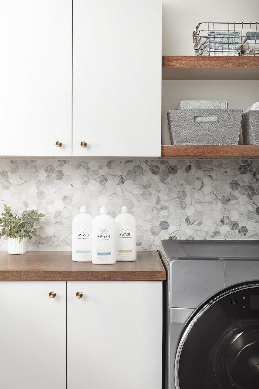 Swash™ laundry detergent offers three fragrance options: Pure Linen, Free & Clear and Simply Sunrise.