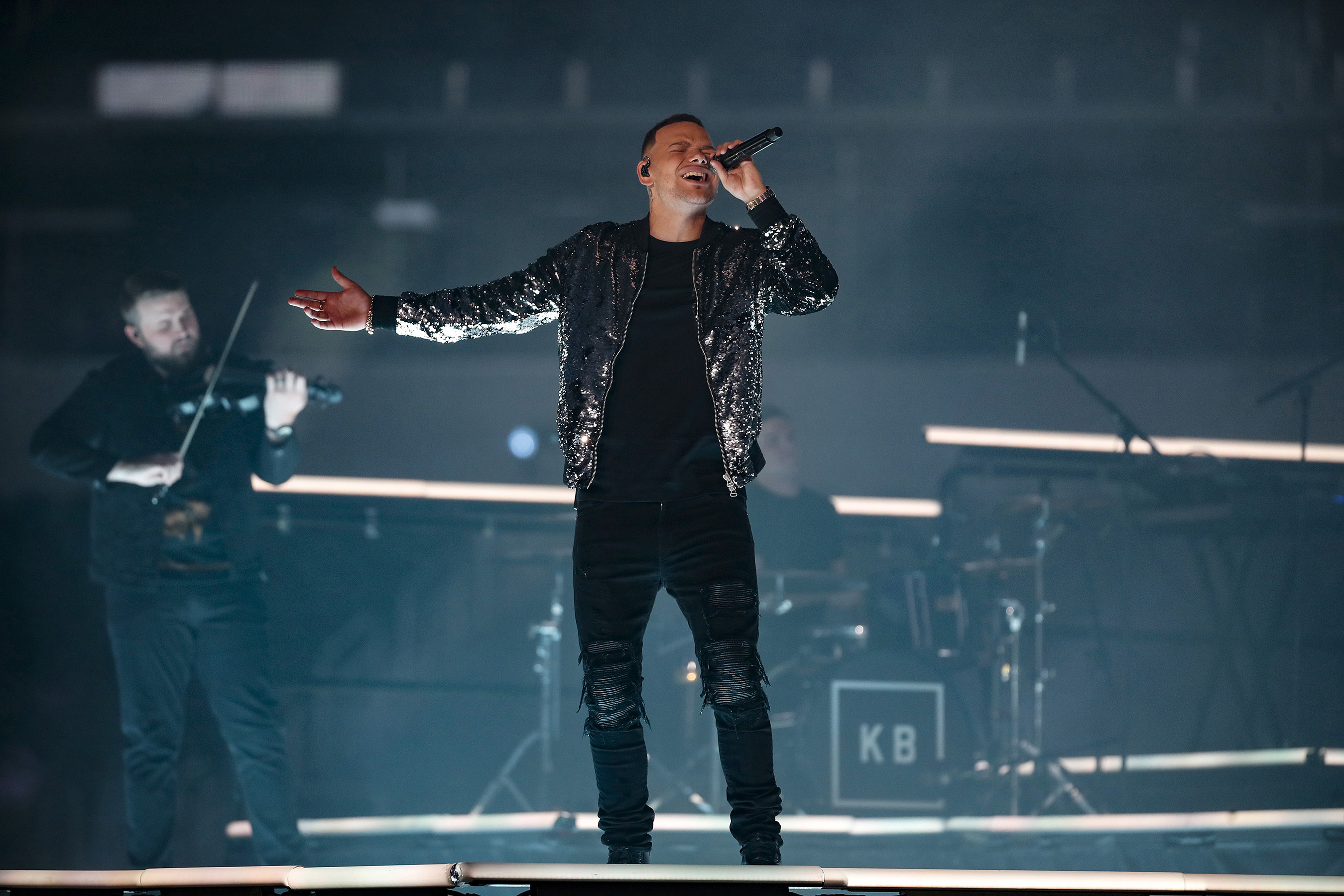 Kane Brown's virtual halftime performance, taped in advance, will air during the Dallas Cowboys Thanksgiving Day game on FOX.