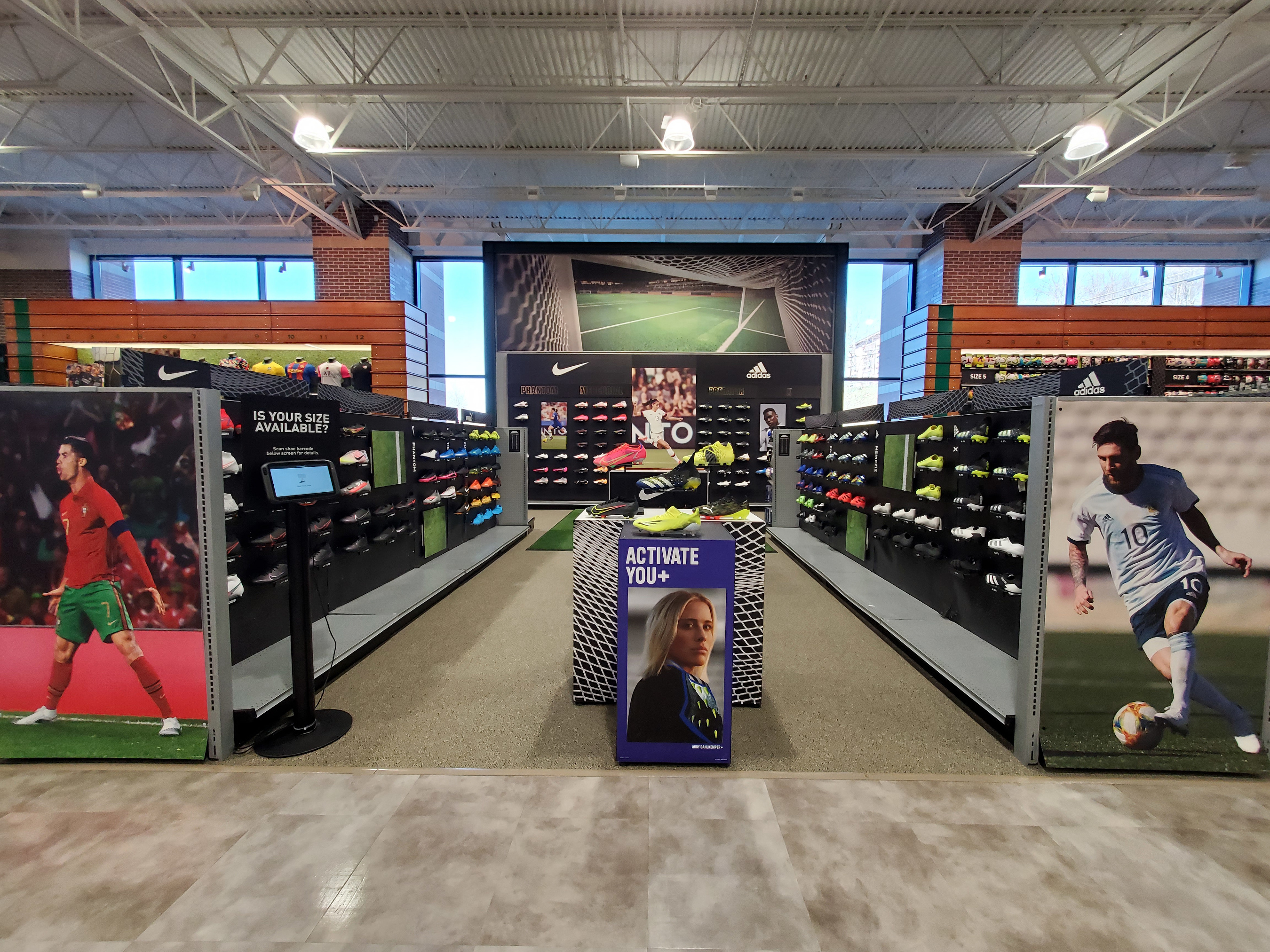 DICK'S Sporting Goods Announces Grand Opening of New Concept Store 'DICK'S House of Sport' And Expands Offerings in Select Golf Galaxy Locations Nationwide - DICK'S Soccer Shops