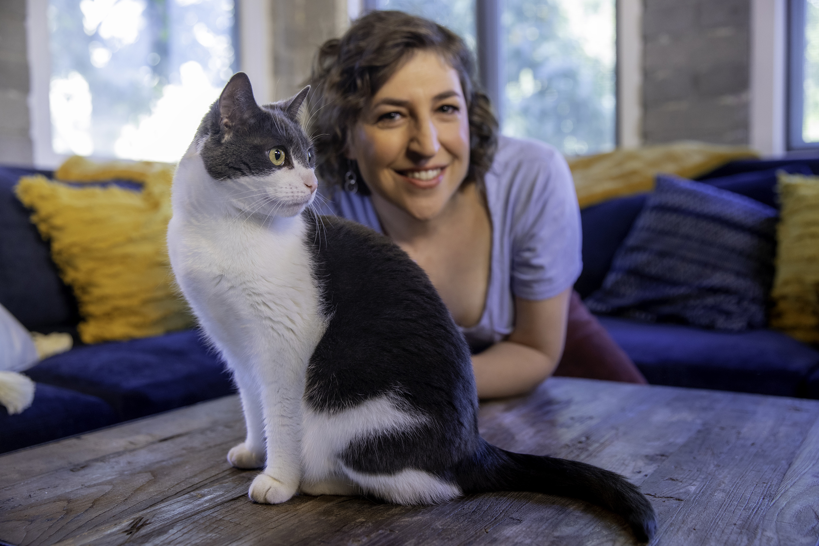 Purina Pro Plan is teaming up with actress and neuroscientist Mayim Bialik to kick-off The LiveClear Challenge, encouraging cat owners with cat allergen sensitivities to discover the life-changing power of Pro Plan LiveClear, the first and only cat food that reduces the major allergen in cat hair and dander.