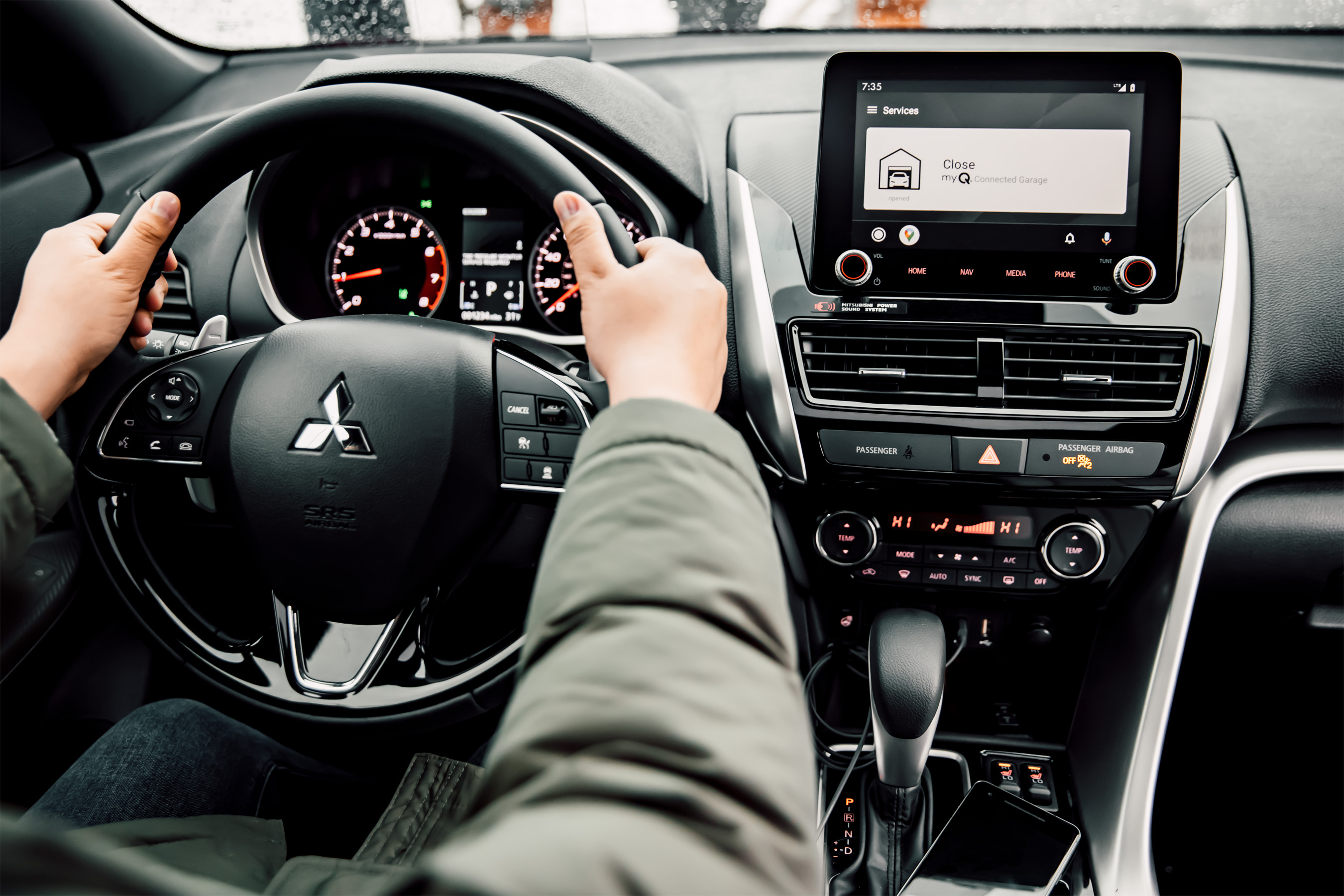 Safely open and close your garage door from anywhere with convenient in-dash touchscreen control.