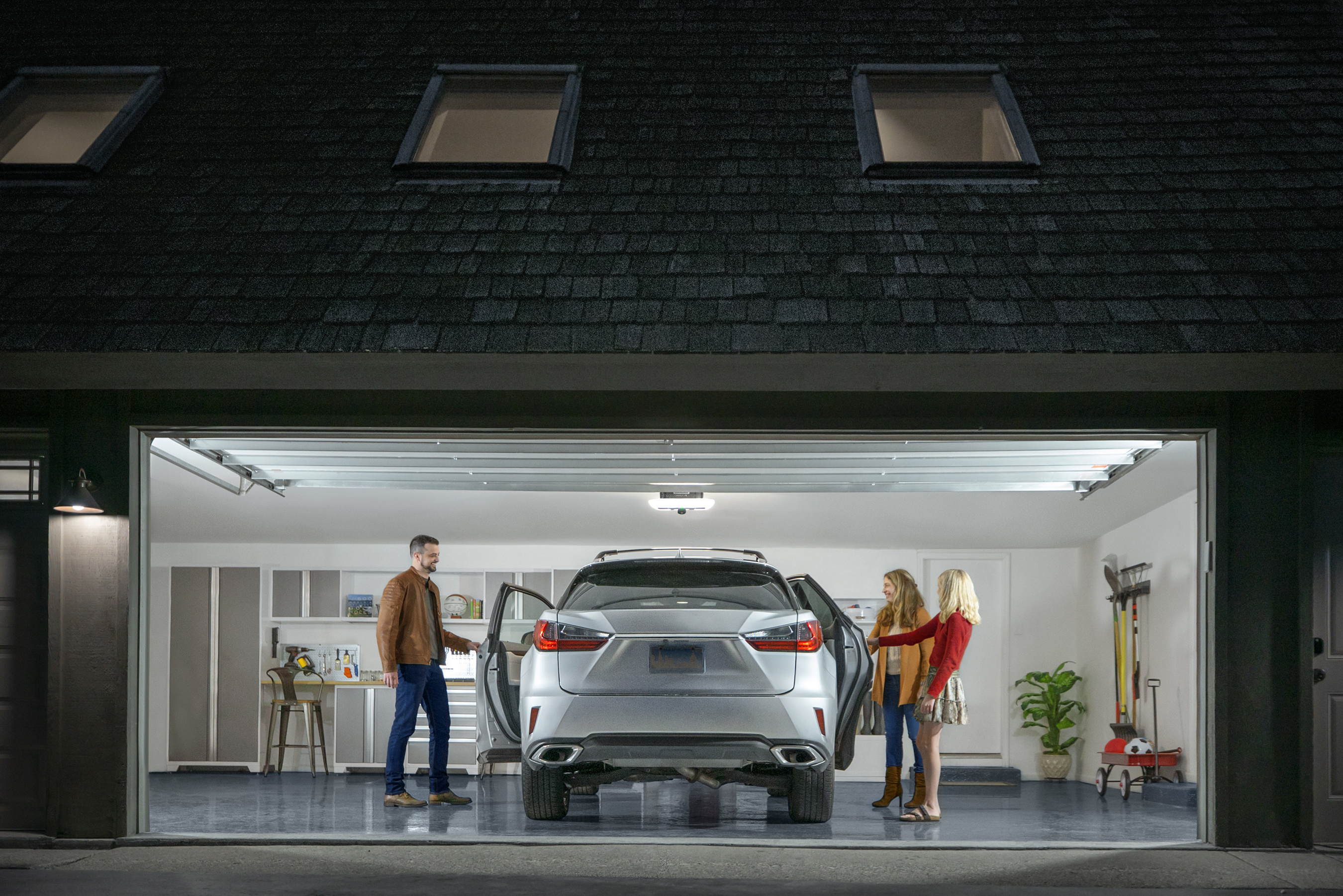 Get the latest in garage opener innovation with LiftMaster - built-in camera, LED Corner to Corner Lighting™ system, battery backup and myQ technology.