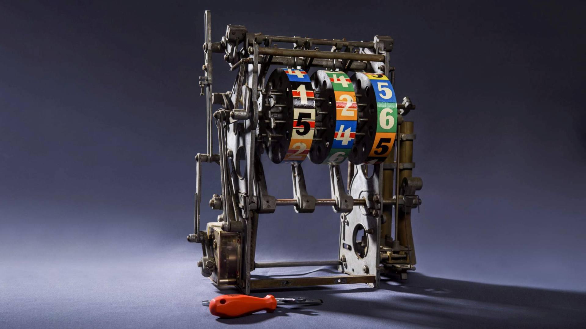 "Image of Beromat ""B"" Three-Wheel Reel Mechanics 1"