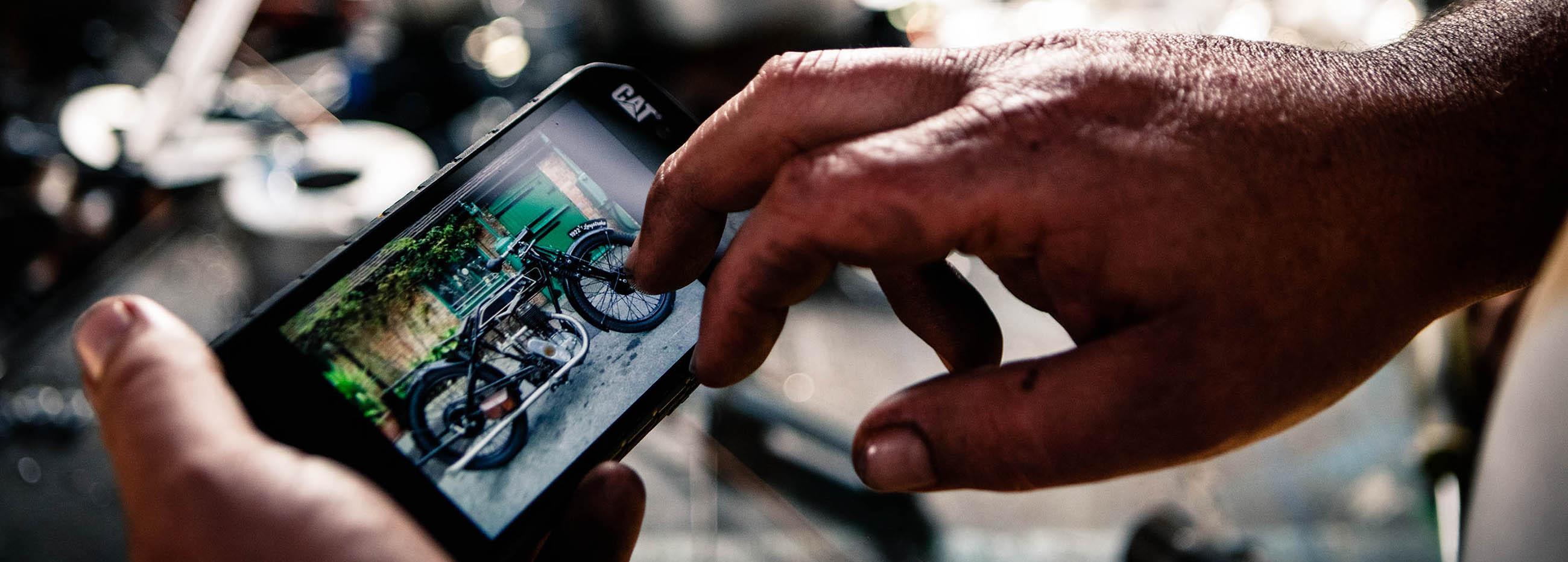 Rivenditori Cellulari Caterpillar.Energia Da Condividere Con Lo Smartphone Rugged Cat S41