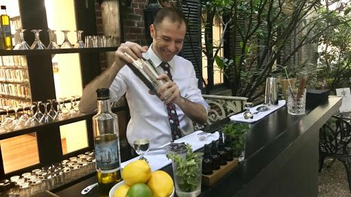 Image of Bartender mixing drinks with Extra Virgin Olive Oil