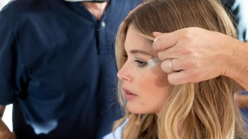 Le Défilé - L'Oreal Paris - Doutzen Kroes - Backstage - Photo Credit: Delphine Achard