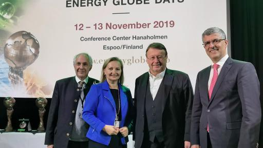 From left to right: Wolfgang Neumann, Founder & CEO Energy Globe Foundation / Ulrike Rabmer-Koller, President SMEunited & Vice-President Austrian Federal Economic Chamber / Paul Rübig, President SME-Global / Tareq Emtairah, UNIDO, Director Department of Energy
