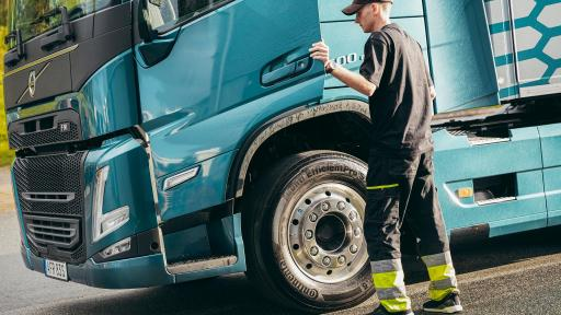 Responsible driving behaviour can help reduce CO<sub>2</sub> emissions and fuel costs, as well as helping reduce the risk of accidents, injury and unplanned downtime.