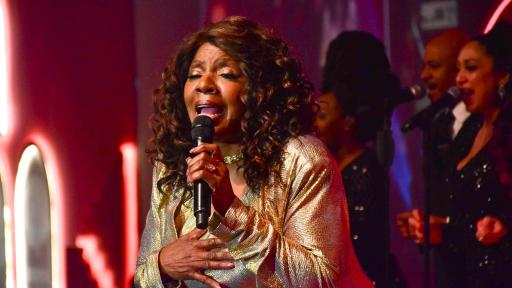 The singer Gloria Gaynor performed in the final evening concert, marking a glittering end to the XXII Habanos Festival